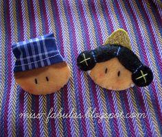 Caritas fallerito y fallerita Coin Purse, Etsy, Purses, Crafts, Handmade, Valencia, Craft Ideas, Animal, Board