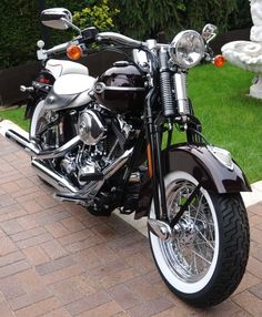 """Edle & Elegante"" Harley-Davidson FLSTSCI Softail Springer Classic 2005"