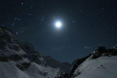 refugiul caltun vedere noaptea iarna
