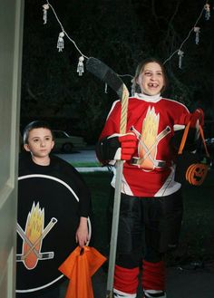 """Halloween ~ Sue is a hockey player and Brick is the puck Brick (Atticus Shaffer) as a puck and Sue (Eden Sher) as a hockey player in a flashback during season """"Halloween"""" The Middle Sue, The Middle Tv Show, The Middle Episodes, Atticus Shaffer, Charlie Mcdermott, Brick Face, Halloween Adventure, The Goldbergs"""