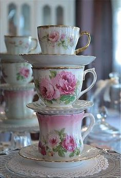 Delicately beautiful! As an Empty Single Nester I can do pink! Yes! God grant me the blessing of going back home and having a place of my own.
