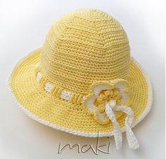 Summer flower hat - free crochet pattern in 4 sizes including adult by MakiCrochet.