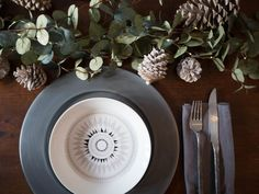 {HOUSE LUST LOVES} MY CHRISTMAS TABLE WITH SANDRA ISAKSSON
