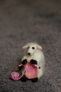 Adorable little needle felted sheep. >> Thing a Week #19: Tiny Sheep by xElle, via Flickr
