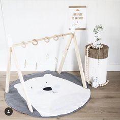 Polar bear playmat!!!!