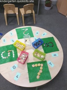 Top 40 Examples for Handmade Paper Events - Everything About Kindergarten Maths Eyfs, Numeracy Activities, Kindergarten Math Activities, Preschool Classroom, Preschool Learning, Activities For Kids, Welcome To Kindergarten, Teaching, Reggio Emilia