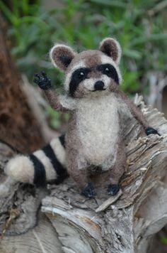 Mr. Mapache - Raccoon - My dear little friend - Needle felted animal