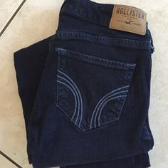 Hollister jeans Dark wash, size 00 R Hollister jeans. Great condition Hollister Jeans Skinny