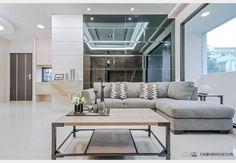 惠來上景_現代風設計個案—100裝潢網 Sectional, Decor, Couch, Furniture, Mirror Interior Design, Sectional Couch, Interior Design, Home Decor