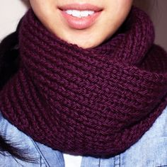 Acai Infinity Circle Scarf [free knitting pattern] (definitely a color I love! Baby Knitting Patterns, Infinity Scarf Knitting Pattern, Knitting Ideas, Knitting Projects, Scarf Patterns, Knit Cowl, Sewing Patterns, Knitting For Beginners, Easy Knitting