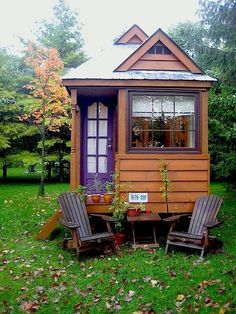 Tiny cabin ...... I Want One :) ❤