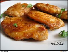 Czech Recipes, Ethnic Recipes, Tandoori Chicken, Chicken Wings, Poultry, Sausage, Food And Drink, Meat, Cooking