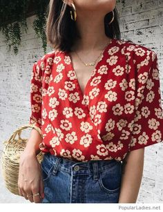 Floral shirt, jeans and lovely details