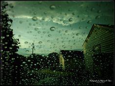 """""""RAIN Burlington, July 15, 2016 """"The way I see it, if you want the rainbow, you gotta put up with the rain."""" [Dolly Parton] """"Como yo lo veo, si quieres ver el arcoiris, tienes que lidiar con la lluvia."""" """""""