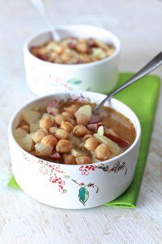 Spanish Bean soup: The Noshery | 32 Puerto Rican Recipes | http://thenoshery.com
