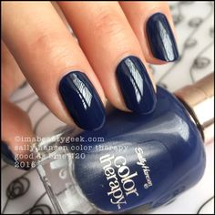 Sally Hansen Good As Blue  - Color Therapy 2016