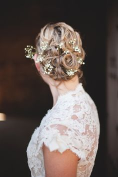 Lots of texture with pretty flowers. If you are going for real flowers, make sure they are small and not too heavy! Hairdo Wedding, Wedding Hair And Makeup, Wedding Hair Accessories, Wedding Bouquet, Crown Hairstyles, Wedding Hairstyles, Bridal Hairstyle, Hair Inspiration, Wedding Inspiration