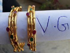 Gold Ring Designs, Gold Bangles Design, Gold Earrings Designs, Gold Jewellery Design, Bangle Bracelets With Charms, Bangle Set, Diamond Bracelets, Pink Diamond Jewelry, Gold Jewelry