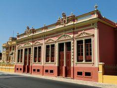 Prédio histórico ao lado do Palácio Rio Negro / Manaus - AM
