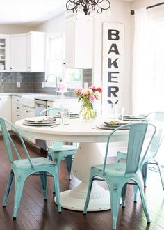 DIY Chalk Paint Table + Cheese Board and easy entertaining ideas for a simple weekend gathering with friends.Love th table and chairs Kitchen Redo, New Kitchen, Kitchen Remodel, Kitchen Nook Table, Kitchen Dining, Renovation Design, Küchen Design, Interior Design, Room Interior