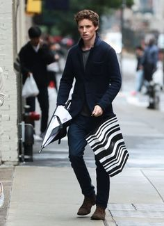 Eddie Redmayne Photos - Eddie Redmayne Out in NYC With His Wife - Zimbio