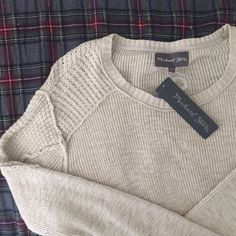 Michael Stars Beige Knit Sweater M/L Michael Stars Beige Knit Sweater Size M/L. 100% Cotton. Great to wear with leggings or jeans. Has this cute small slit detail on bottom of sweater. Michael Stars Sweaters Crew & Scoop Necks