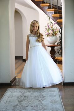 This Couture First Communion Dress features Silver Beading at the top and waist with gathered organza bodice. This Long Length First Holy Communion dress offers lace tulle skirt . The back of this beautiful first communion dress includes silver beadwork Designer First Communion Dresses, Girls First Communion Dresses, Holy Communion Dresses, Girls Pageant Dresses, Flower Girl Tutu, Flower Girl Dresses, Flower Girls, Purple Bridesmaid Dresses, Wedding Dresses
