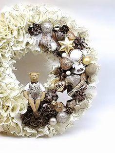 Inkadar / Strapatý vintage vianočný veniec zlatý