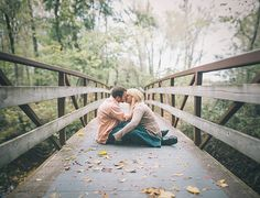 Pose, beautifully lit/framed. Lakin and Jordan's Engagement Session. (Brenizer Method) by Aaron DuRall, via Flickr