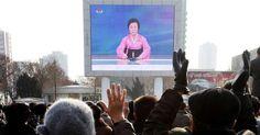 Người phụ nữ áo hồng nổi tiếng suốt 3 đời lãnh đạo Triều Tiên là ai?