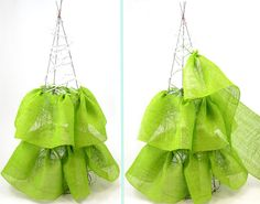 Keep ruffling burlap ribbon and filling in the tomato cage form. made in layers, instead of all one piece. Mesh Christmas Tree, Christmas Love, Xmas Tree, Country Christmas, Christmas Things, Christmas Wishes, Christmas Projects, Christmas Christmas, Tomato Cage Crafts