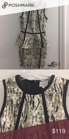 Parker dress Like brand new Parker dress-- beautiful fit. Has a nice stretch to it Parker Dresses Midi