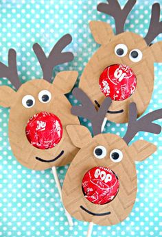 Reindeer Lollipop Holders using Cricut Explore Air 2 Class Christmas Gifts, Christmas Classroom Treats, Christmas Favors, Preschool Christmas, Christmas Activities, Homemade Christmas, Christmas Projects, Holiday Crafts, Christmas Crafts