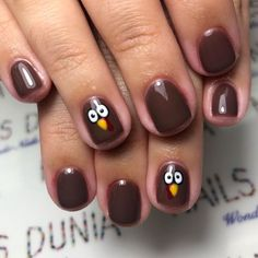 Beautiful Thanksgiving Nail Art Ideas For Fall Thanksgiving nails are a beautiful way to celebrate one of the year's best holidays. If you've never tried Thanksgiving nail designs before, we think the upcoming holiday is the perfect excuse to start. Thanksgiving Nail Designs, Holiday Nail Designs, Thanksgiving Nails, Toe Nail Designs, Diy Holiday Nails, Hair And Nails, My Nails, Nails On Fleek, Wonder Nails