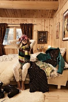 the cabin and cute clothes..... looooove!
