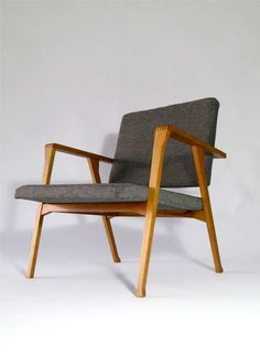 Franco Albini; Walnut 'Luisona' Lounge Chair for Poggi, 1955.