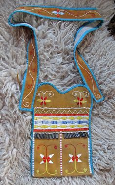 Hunting pouch - Metis - Woodland - Quillwork/Silk ribbon Made by Romana Ziemann