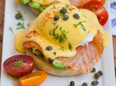 I love so much of the sauce hollandaise … It's pig to perfection! If you like it, try this Benedictine egg recipe with smoked salmon. You will be delighted! Smoked Salmon And Eggs, Smoked Salmon Recipes, Salmon Eggs, Banana Recipes, Egg Recipes, Healthy Recipes, Healthy Food, Eggs Benedict Salmon, Sauce Hollandaise
