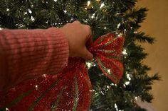 When adding the mesh to your tree, the first thing you want to do is scrunch. It is very wide and a little hard to work with, but you will get the hang of it.