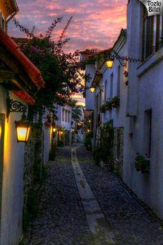 Sığacık Gezilecek Yerler Turkey Tourism, Turkey Travel, Beautiful Places To Visit, Wonderful Places, Desert Dream, Paradise On Earth, Istanbul Turkey, Historic Homes, Dream Vacations