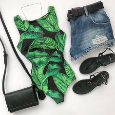 O body com a estampa mais verão que você vai ver hoje! Outfits For Teens, Casual Outfits, Girl Outfits, Summer Outfits, Cute Outfits, 90s Fashion, Girl Fashion, Fashion Looks, Fashion Outfits