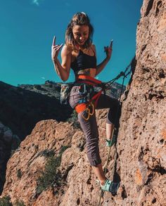 Climbing outfits, hiking photography, camping and hiking, hiking trails, ca Rock Climbing Quotes, Rock Climbing Training, Rock Climbing Workout, Climbing Girl, Rock Climbing Gear, Climbing Pants, Climbing Clothes, Rock Climbing For Beginners, Granola Girl