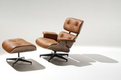 Eames Lounger Furniture Design Ideas : Herman Miller Eames Lounge Chair And Ottoman GR Shop Canada . Lounge Design, Chair Design, Style Lounge, Charles Eames, Lounges, Saddle Chair, Mesh Office Chair, Office Chairs, Lounge Seating
