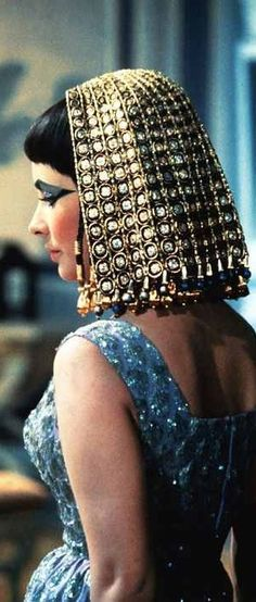 Elizabeth Taylor in period accurate ancient Egyptian costume. 'Cleopatra' (1963) Costume Designer - Irene Sharaff.