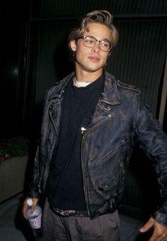 50 Reasons to Love Brad Pitt Beautiful Boys, Pretty Boys, Beautiful People, Beautiful Pictures, Junger Brad Pitt, Boys Lindos, Vintage Boys, Retro Vintage, Fine Men