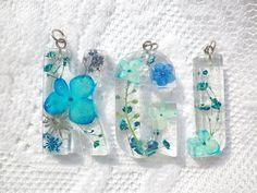 Annys workshop 手作壓花飾品,英文字母押花飾品 (藍色系), Pressed flower jewelry