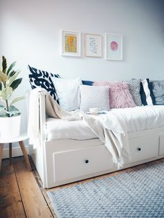 The Hemnes day bed was the first piece of furniture I *think* I ever bought. I'd recently moved to Ipswich, had just got my first blogging pay cheque (back in the early days I'd get paid quarterly and