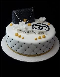 Friends Birthday Cake, Baby Girl Birthday Cake, Birthday Cakes, Chanel Cake, Sugar Bread, Birthday Balloon Decorations, Pan Bread, Themed Cakes, Yummy Treats
