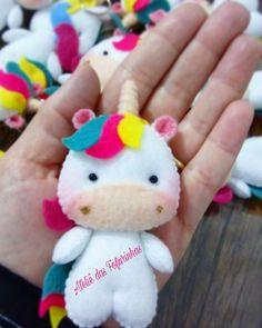 Chaveiro de unicornio, mede aproximadamente 10 cm de altura. Valor referente a o chaveiro de unicornio não inclui os demais itens. Consultar prazo para produção.