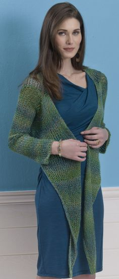 Beatrice Shrug in MINITEMPO http://tahkistacycharles.com/t/pattern_single?products_id=2186